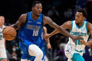 Dallas Mavericks en Charlotte